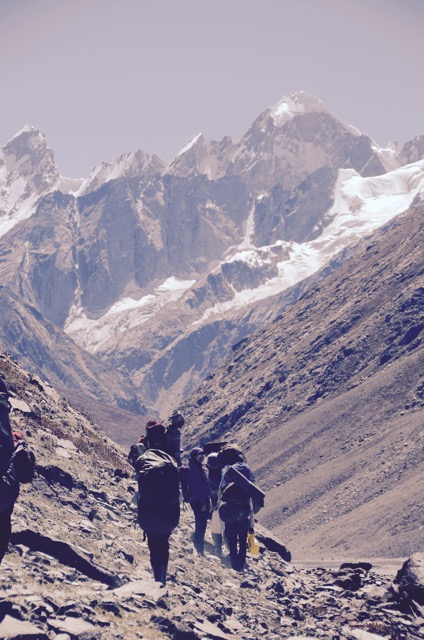 Our team heads towards White Sail Peak...and towards the great valley that is Bara Shigri.