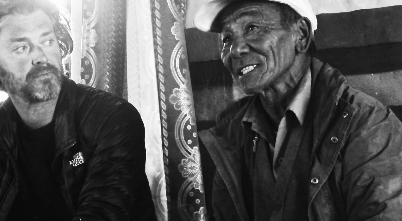 The Tea Explorer visits with some of the last remaining tea traders and muleteers
