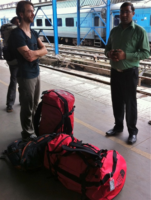 Michael with about 8 hours sleep in 48 hours of running, at the Delhi train station